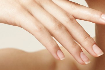 وصفة طبيعية لتطويل الأظافر